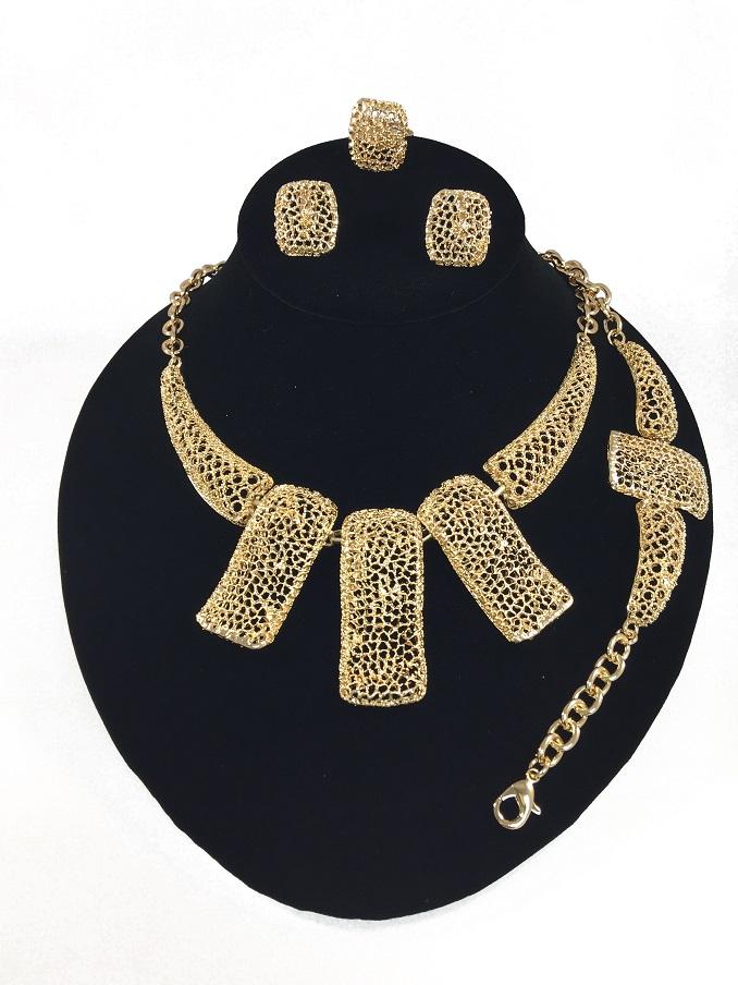 Wardrobe-Friendly Jewelry Set