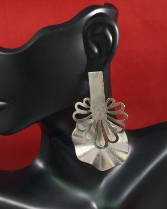 Buzz Off Silver Beauty.